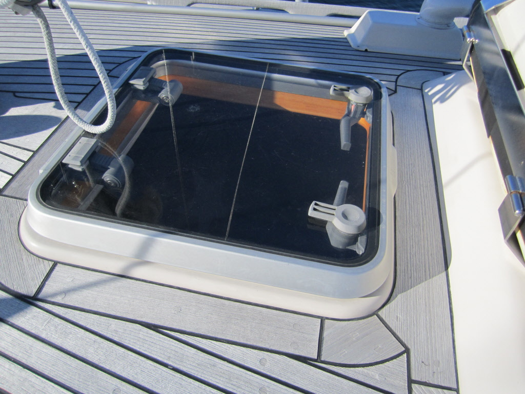 Lewmar Ocean 60 Complete Hatch Clear Glass